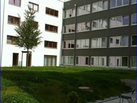 Großzügiges 2 Zimmer Apartment - sofort bezugsfrei - mit Wanne in Uninähe!