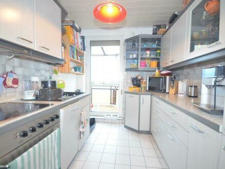 attraktive 3-Raum-Wohnung mit Garage im ländlichen Grün