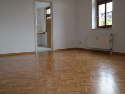 Helle 2-Raum Dachgeschoß Wohnung