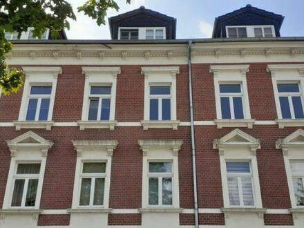 2-Raum-Wohnung mit Balkon und Wannenbad in Zentrumsnähe