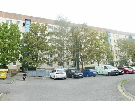 +++Viel Platz/3 Zimmer/Erstbezug nach Renovierung/Balkon/Aufzug+++