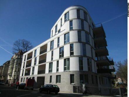 Exklusive 5 Raumwohnung mit 2 Balkonen und Tiefgaragenstellplatz im Waldstraßenviertel!