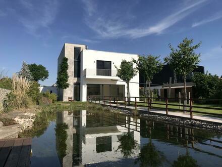 Traumhaus auf Wassergrundstück in Leipzig-Lützschena