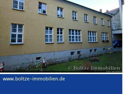 Eine kleine vermietete Eigentumswohnung mitten im Naumburger Stadtzentrum!