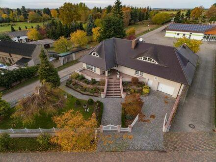 Repräsentatives Zweifamilienhaus mit Vollkeller und Gartenpavillon in Beetzendorf (Altmark)