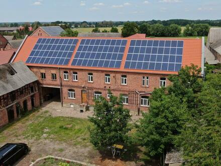 Anwesen mit neuem Dach, neuen Fenstern und Photovoltaik-Anlage!!