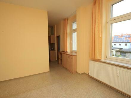 GARDELEGEN: 1-RW mit Einbauküche und WANNENBAD+Fenster