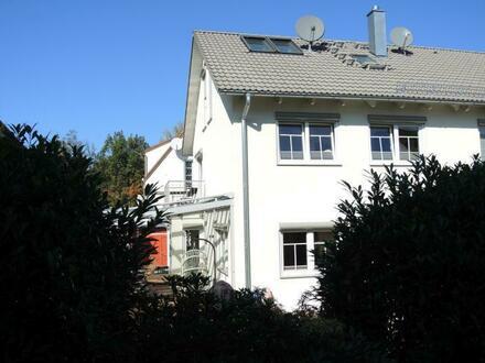 Modern und sehr gepflegt - Doppelhaushälfte in Fürstenfeldbruck