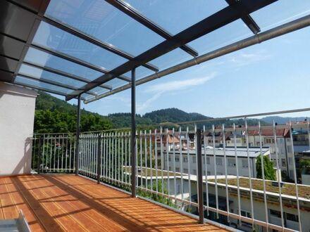 Einmalige Dachgeschosswohnung in revitalisiertem Jugenstilgebäude, fußläufig zur Stadt u. Dreisam