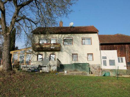 Passau-Grubweg: Anwesen im Außenbereich mit 3.187 m² Grund – Höhenlage mit Fernblick – Totalsanierung oder Abbruchobjekt