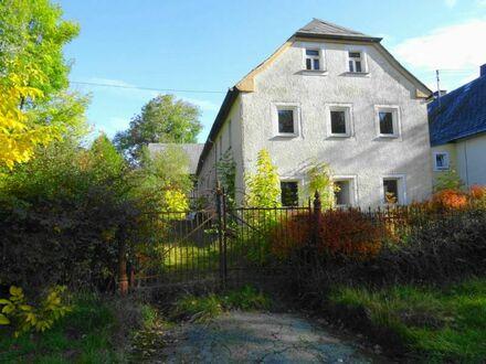 Historisches Bauernhaus, Stallung, Scheunen und Nebengebäude