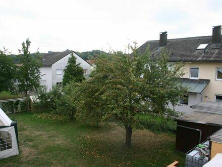 Wunderschöne 4-Zimmer-Wohnung zentral und doch ruhig in Metten!
