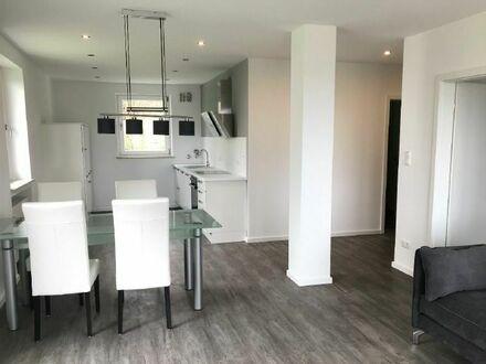 Moderne möblierte 2-Zimmer-Wohnung mit Balkon in Bergkirchen OT Unterbachern!