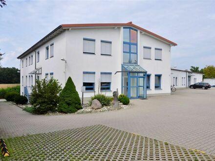 IHR NEUES BÜRO ODER STUDIO in Heßdorf bei Erlangen. Großzügige Räume, modernes, gepflegtes Anwesen