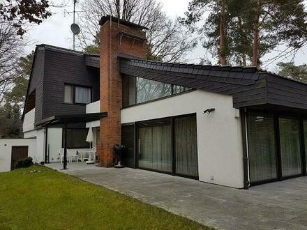 Einfamilienhaus mit Büroeinheit/ Einlegerwohnung auf traumhaftem Grundstück am Wald