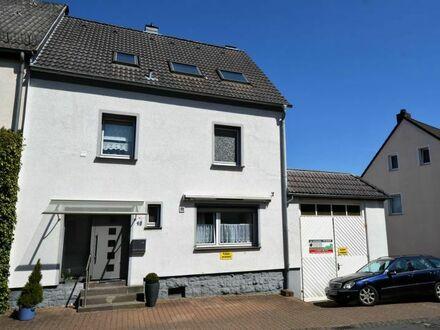 Saniertes und modernisiertes Wohnhaus mit Dachterrasse und großer Garage im Stadtzentrum von Daun (Eifel)