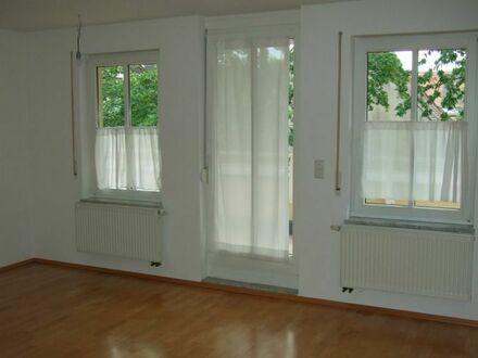 RESERVIERT - MITTEN IN DER STADT - großzügige 2-Zimmer-Wohnung mit tollem Balkon am Bohlenplatz