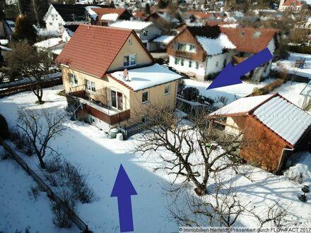 Heimeliges Einfamilienhaus mit wunderschönem Garten, Garage und Carport!
