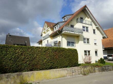 3 Zimmer-Maisonette-Eigentumswohnung mit großem, schönem Hobbyraum im Dachgeschoss, 2 Balkonen, Loggia und Pkw-Stellpla…