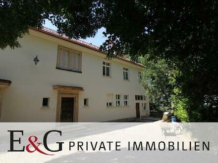 ***Wohnen im Park - Denkmalgeschützte Villa in bester Lage von Stuttgart-Sillenbuch***