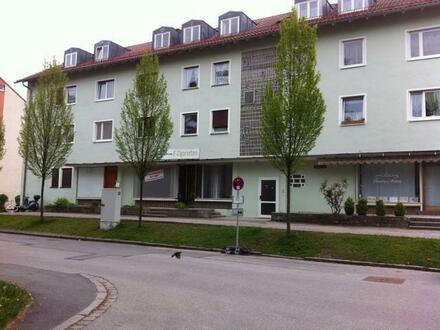 Großer Laden (Praxis/Büro) provisionsfrei in Landshut zu vermieten