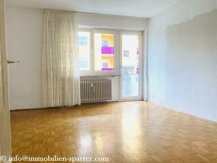 Renovierungsbedürftige 3-Zimmer-Wohnung mit Balkon