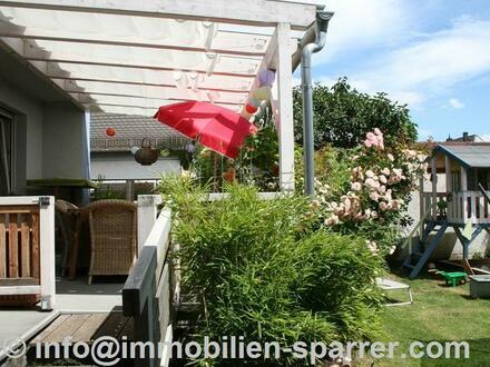 Schönes Einfamilienhaus mit Charme, Terrasse und Garten in Weiden
