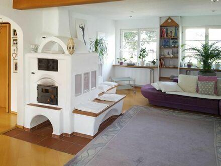 Großzügiges, freistehendes Zweifamilienhaus mit zeitgemäßem Komfort