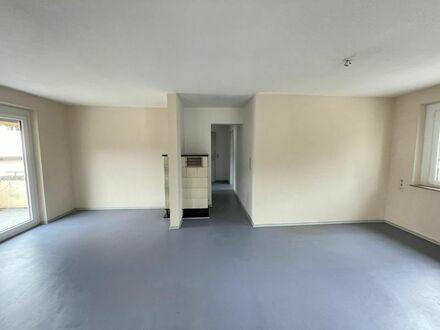 2 Zimmerwohnung in Nagold-Iselshausen / EBK, Balkon, Garage / Frei ab Sofort