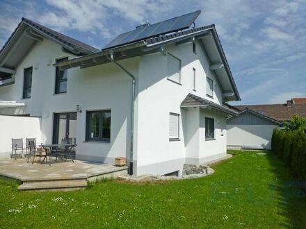 Moderne Doppelhaushälfte in ruhiger Wohnlage von Burggen