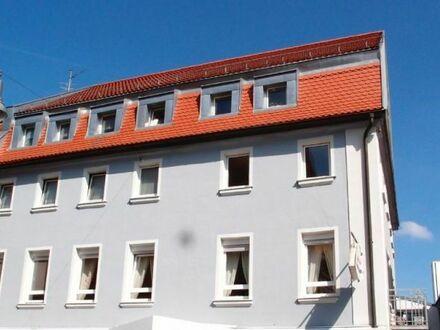 Zentral gelegene 3 Zi. Wohnung mitten in der Stadt mit Tageslichtbad, zu vermieten