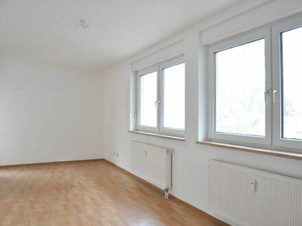 2 Zimmer Wohnung mit EBK und Balkon in Nürnberg/Nibelungen