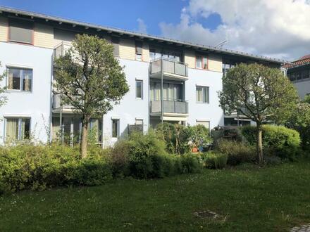 In Stadtpark und S-Bahn-Nähe wohnen, 3 Zimmer Wohnung mit Balkon