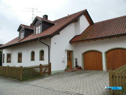 RG Immobilien - Gemütlich Wohnen am Stadtrand- Großzügiges EFH