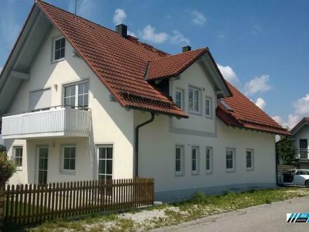 RG Immobilien - Modernes Wohnen auf dem Land - Große 4 Zimmer Wohnung mit 2 Balkonen