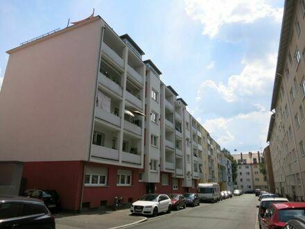 Gepflegte 3-Zimmerwohnung mit Balkon in N-Wöhrd.