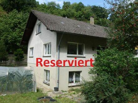 Haus mit Potenzial und großem Grundstück in bevorzugter Lage von Neuweier.