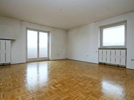 Sehr gepflegte 2 ZKB-Wohnung mit großem Balkon & Aussicht auf das Donautal sowie die Winzerer Höhen