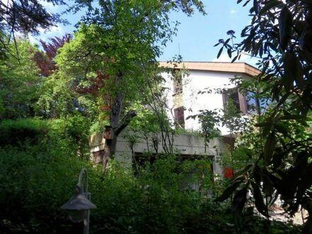 Herrschaftliches, modernisierungsbedürftiges Wohnhaus in bevorzugter Wohnlage
