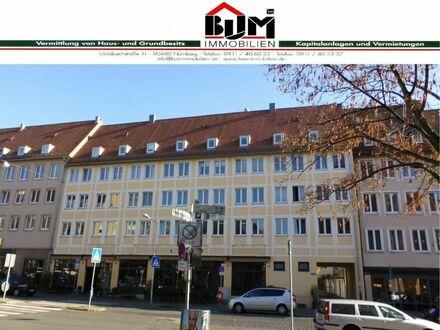 *Nürnberg-Altstadt - Kücheneinrichtung - Bad mit Fenster*