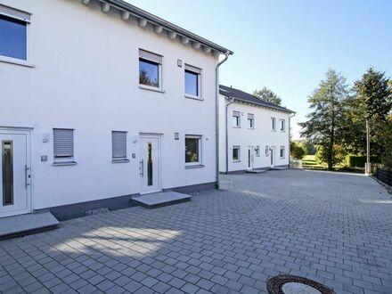*Provisionsfrei* Wunderschöne, neugebaute 6-Zimmer Doppelhaushälfte mit Süd/West-Terrasse und Garage