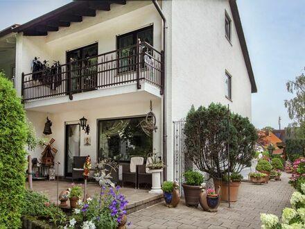 BOGENHAUSEN-DAGLFING: Einzigartige 5-Zimmer-Doppelhaushälfte mit hoher Privatsphäre und großem Garten