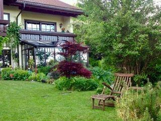 Repräsentative Dach-Atelierwohnung mit Garten und Bergblick für Anspruchsvolle