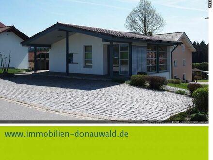 Lichtdurchflutetetes Büro- u. Geschäftsgebäude , mit 5 PKW Stellplätzen, verkehrsg. in Patersdorf, LKR Regen zu mieten