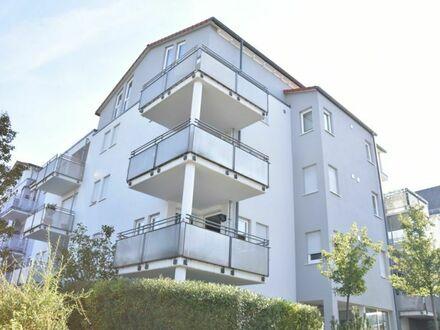 **Top gepflegte 3,5-Zimmer-Maisonette-Whg. mit Dachterrasse, TG-Platz und herrlichem Ausblick**Döffingen-Mittenbühl**