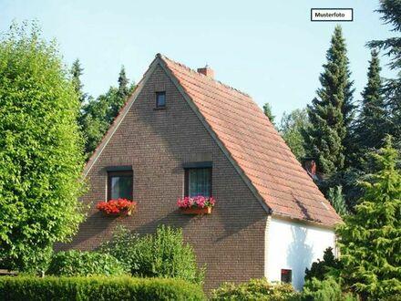 Doppelhaushälfte in 97616 Bad Neustadt, Wiesenstr.