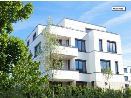 Etagenwohnung in 86153 Augsburg, Berliner Allee