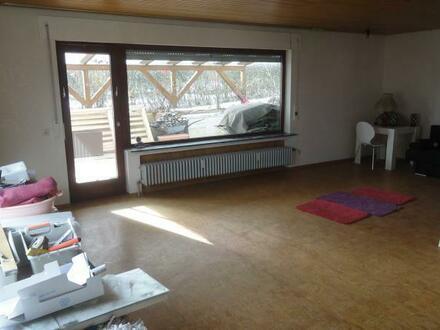 Großzügige 3,5 Zimmerwohnung mit großer Terrasse in Höhenlage von Deizisau
