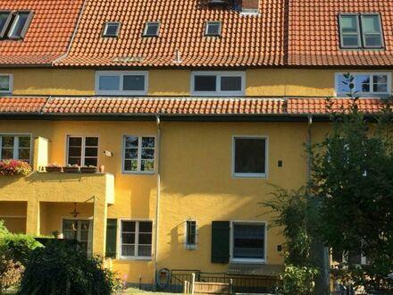 Charmantes 1-2 Familienhaus mit sonnigem Garten in Lichterfelde-Ost