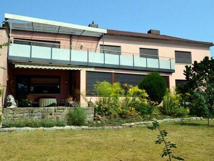 Top gepflegtes & lichtdurchflutetes Einfamilienhaus mit einem sehr schön angelegten Garten